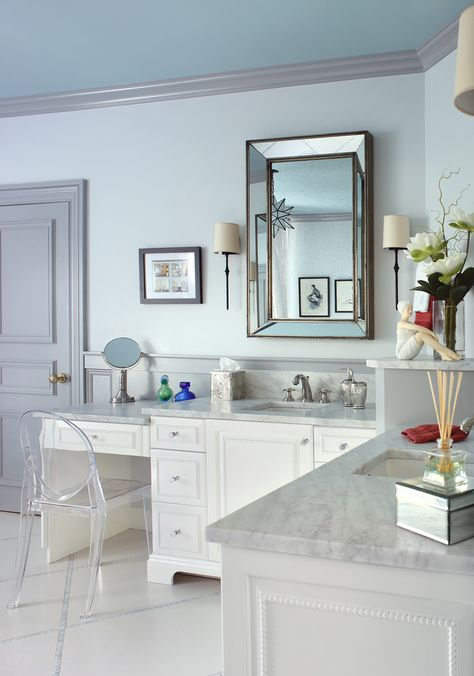 Traditional Bathroom With L Shaped Vanity With Blue Ish Granite