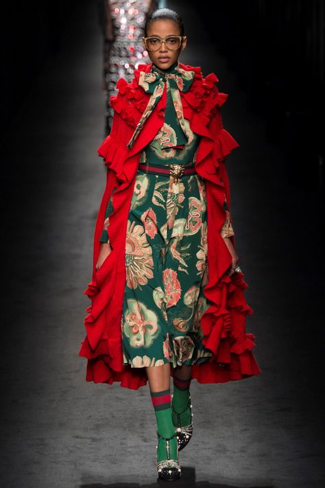 RTW Fall 16 -Gucci RTW Fall 16 - It's Gucci mania. This is why we are so obsessed with Gucci since Alessandro Michele came in. Zendaya for Vogue Gucci Autumn/Winter 2017 Ready-to-wear Details