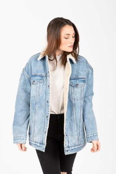 buying now exquisite style later Levi's: Baggy Sherpa Trucker Jacket in 2019   Jackets ...