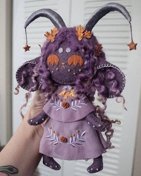 Cute Crafts, Felt Crafts, Diy And Crafts, Arts And Crafts, Felt Dolls, Plush Dolls, Sewing Crafts, Sewing Projects, Cute Stuffed Animals