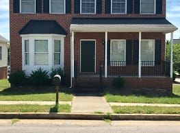 507 S Allen Ave Apartments Richmond Va 23220 Virginia Apartments Outside Sheds Apartments For Rent