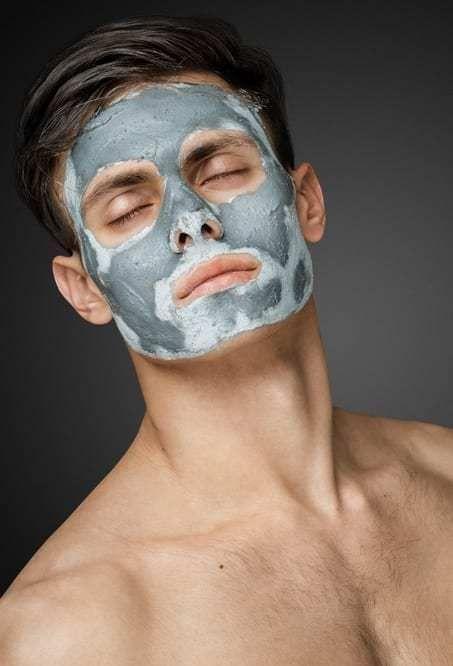 12 Home Remedies To Manage Men S Oily Skin Easily Tengo Una Amiga Prometo Qui No Scented Soy Yo In 2020 Mask For Oily Skin Face Skin Care Routine Oily Skin Men