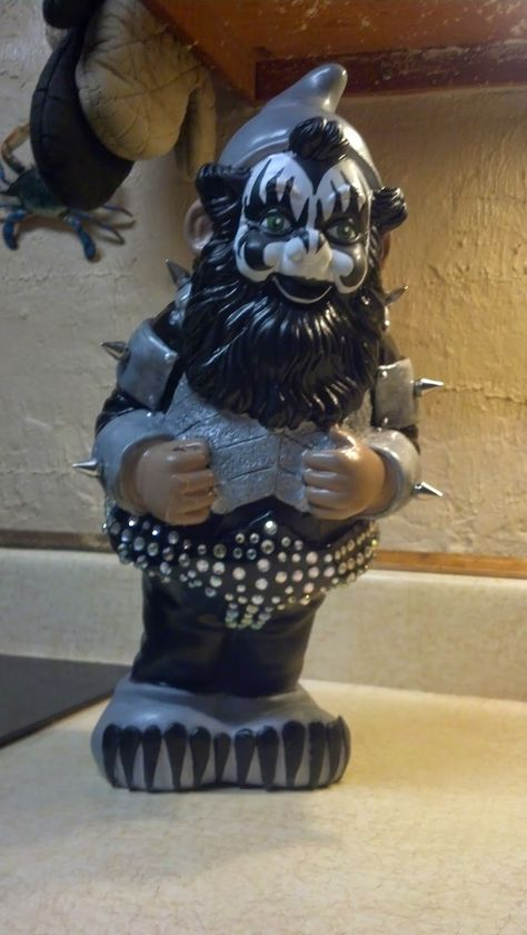 #DIY KISS Gene Simmons #Gnome She writes about how she created this gnome from a gnome who had seen better days.