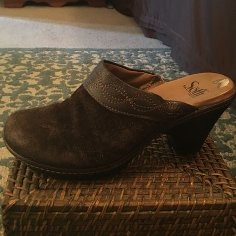 Sofft Brown Suede Clogs Brown suede clogs. Great shape. Now signs of wear. Sofft Shoes Mules & Clogs