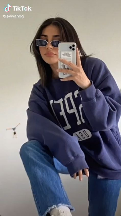 Credits : @evwangg on TikTok Brands mentionned : H&M ; Outthepurse ; Yesstyle :)