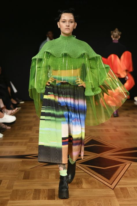 Swedish School of Textiles Stockholm Spring 2019 Fashion Show Collection: See the complete Swedish School of Textiles Stockholm Spring 2019 collection. Look 19