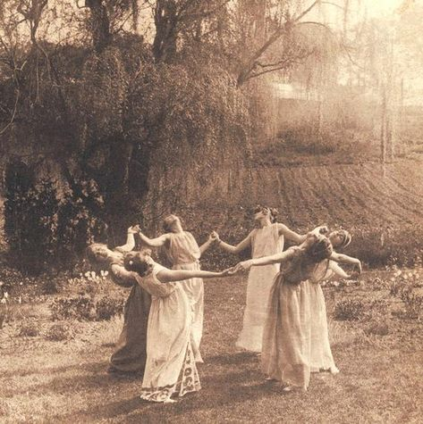 Circle of Women Dancing Moon Light Dance Meadow Field Pagan Witches Wiccan Magic Summer Solstice Beltane May Day Dancers Vintage Victorian Photography Photo Print Autel Wiccan, Wiccan Magic, Pagan Witch, Magick, Vintage Witch Costume, Vintage Witch Photos, Witch Costumes, Vintage Pictures, Vintage Bizarre