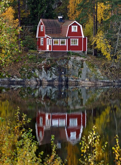 Overlooking the Lake Schwedisches haus, Häuser in