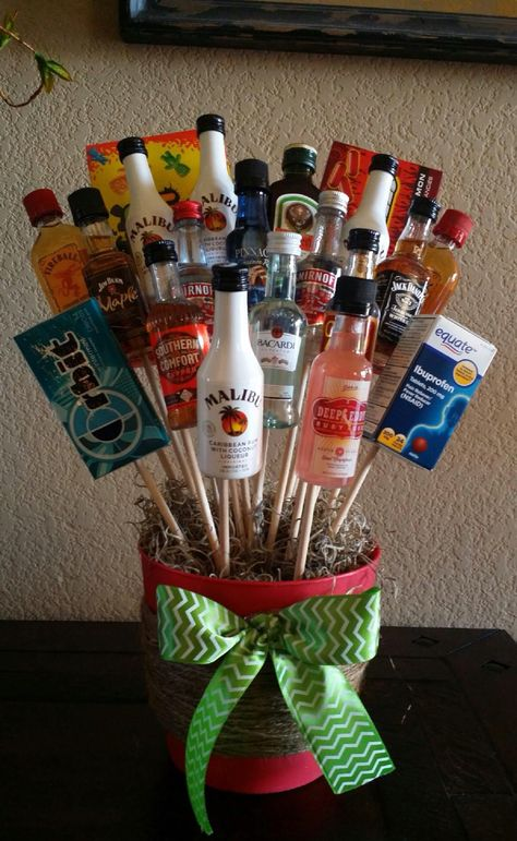 Liquor bouquet for white elephant gift. You can't go wrong. Liquor bouquet for white elephant gift. You can't go wrong. Diy Gift Baskets, Raffle Baskets, Christmas Gift Baskets, Diy Christmas Gifts, Simple Christmas, Holiday Gifts, Liquor Gift Baskets, Santa Gifts, Christmas Ideas