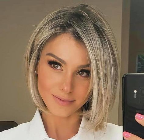 Bob Haircuts For Women, Thin Hair Haircuts, Medium Bob Hairstyles, Short To Medium Haircuts, Best Bob Haircuts, Short Bobs, Pixie Hairstyles, Medium Hair Cuts, Medium Hair Styles