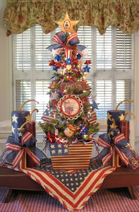 Americana Tree painted by Denise 4th July Crafts, Fourth Of July Crafts For Kids, Fourth Of July Decor, 4th Of July Celebration, 4th Of July Decorations, 4th Of July Party, 4th Of July Wreath, July 4th, Birthday Decorations