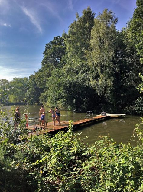 Apr 2018 - Since moving to London I've hoped there would be the perfect day to visit the Hampstead Heath mixed pond. Being able to swim in natural water sources is something that, as a South African, I … Summer Feeling, Summer Vibes, Khadra, Hampstead Heath, Hampstead Ponds, Summertime Sadness, Summer Goals, Janis Joplin, Diana Ross
