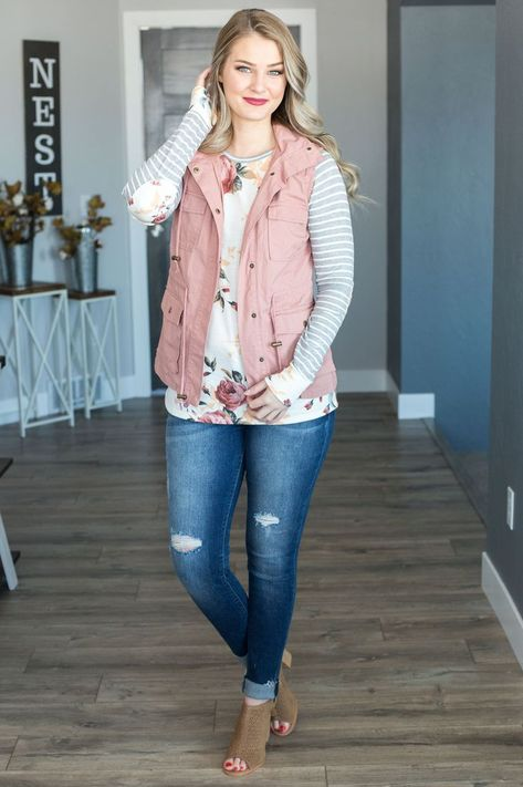 Meet the perfect layering piece for spring! This mauve lightweight vest gives you so much versatility and adds just the right amount of style to any casual look! Model is and wearing size small.