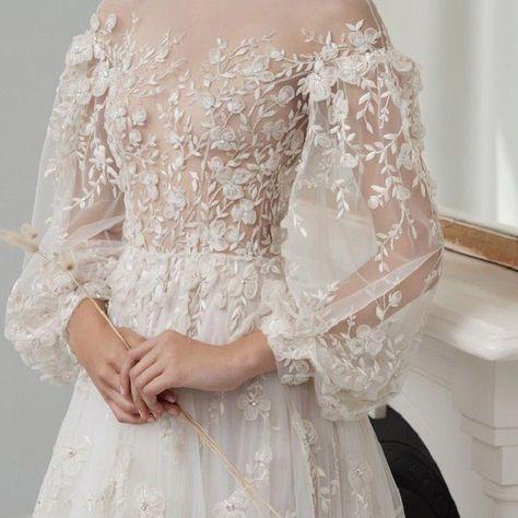 Beautiful long sleeves wedding dress #weddinggown #weddingdress #makeyourownweddingdress