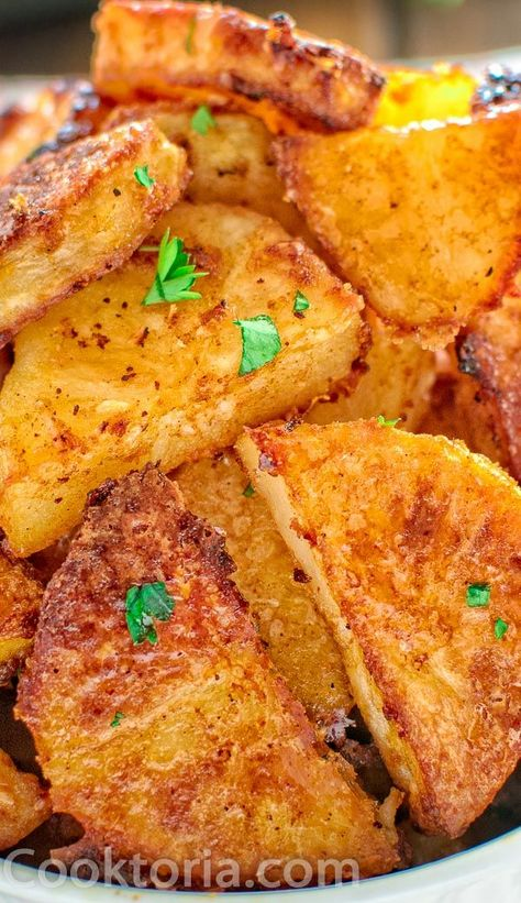 Creamy, soft potatoes covered in a crispy Parmesan crust… Mmm … I can eat these Parmesan Crusted Potatoes every day. I especially enjoy them for lunch, with a bowl of fresh salad on the side.  FOLLOW Cooktoria for more deliciousness! #potatoes #sidedish #lunch #dinner #recipeoftheday