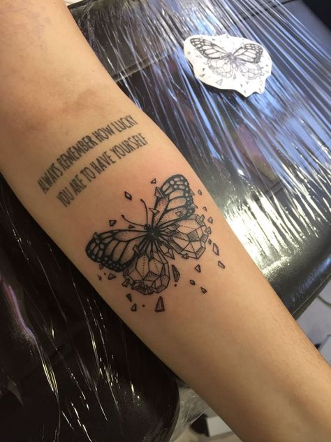 Gorgeous Butterfly Tattoo Ideas that you must try! Dope Tattoos, Dream Tattoos, Pretty Tattoos, Mini Tattoos, Future Tattoos, Unique Tattoos, Beautiful Tattoos, Body Art Tattoos, Small Tattoos