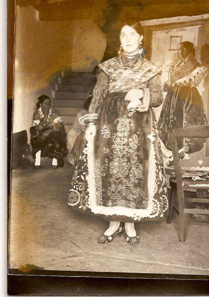 Fotos Modelo Femenino Sejas De Aliste 1928 Carbajales De Alba 1930 Modelos Femeninos Fotos Modelos