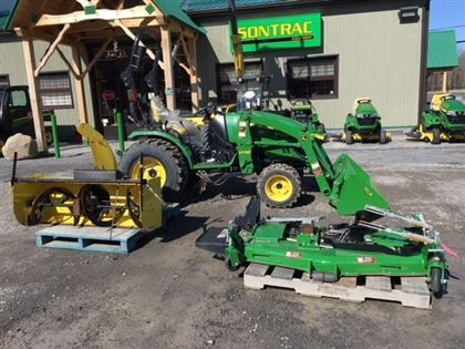 2014 JOHN DEERE 2032R COMPACT TRACTOR WITH LOADER, MOWER AND