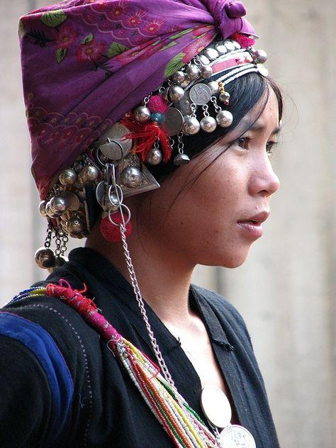 Faites connaissance avec les akha peuple de Birmanie, Thaïlande et Laos faites connaissance avec les tribus et les ethnies Akha en Asie du sud est.