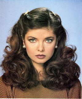 1970s Hairstyles, Vintage Hairstyles, Prom Hairstyles, Hairstyle Ideas, Fashion Hairstyles, Medium Length Curly Hairstyles, Easy Hairstyles, Perfect Hairstyle, Woman Hairstyles
