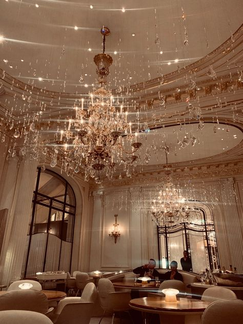 Staying at Hôtel Plaza Athénée – Paris, France Boujee Aesthetic, Night Aesthetic, Aesthetic Pictures, Plaza Athenee Paris, Classy Wallpaper, Paris Hotels, Hotels Paris France, Paris At Night, Relaxation Room