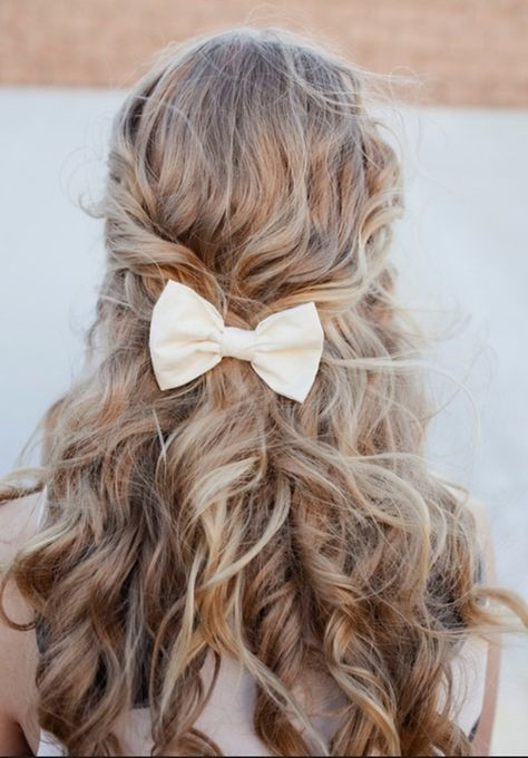Cute bow with curls.