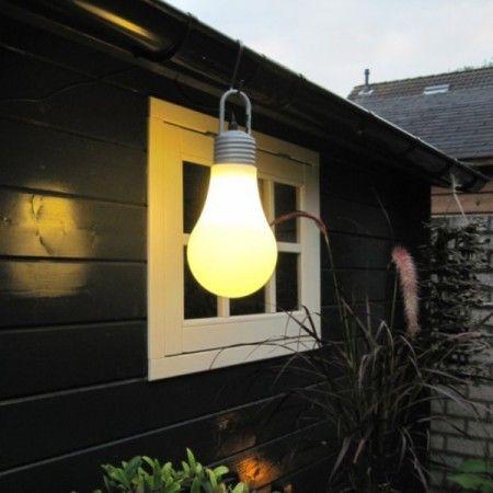 Originelle Leuchte In Form Einer Klassischen Gluhbirne Mit Unendlichen Anwendungsmoglichkeiten Diese Lampe Kann Sowo Aussenlampe Stehlampe Retro Stehlampe Weiss