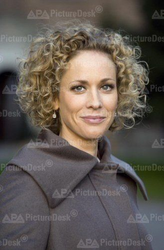 Claudia Hiersche No Matter How Many Pics I Posted Of Her I Can Never Get Enuf And Her Acting Talent Is Superb I Love Watc Hair Beauty Movie Stars Beauty