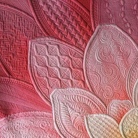 How Margaret Solomon Gunn Quilted The Big Dream Wild Rose Panel