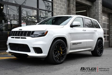 Jeep Grand Cherokee Trackhawk With 22in Vossen S17 01 Wheels Jeep Grand Cherokee Jeep Srt8 Jeep Grand