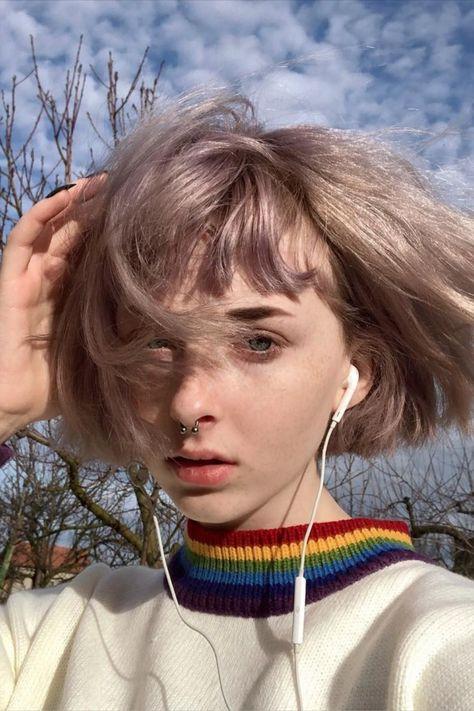 Wallpaper Inspiration, Hair Inspiration, Pretty People, Beautiful People, Eyebrows, Elf Make Up, Aesthetic Hair, Laura Geller, Poses