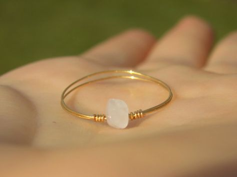 Dainty Rose Quartz Ring (with Silver/Gold Plated or 925 Sterling Silver Wire) Wire Jewelry Rings, Handmade Wire Jewelry, Copper Jewelry, Resin Jewelry, Cute Jewelry, Wire Wrapped Jewelry, Jewelry Crafts, Jewelery, Copper Wire