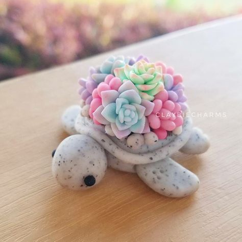 New Pictures Polymer clay crafts food Suggestions Polymer clay turtle seaturtle tortoise kawaii succulents Cute Polymer Clay, Cute Clay, Polymer Clay Charms, Polymer Clay Turtle, Polymer Clay Creations, Polymer Clay Figures, Polymer Clay Mermaid, Polymer Clay Dragon, Polymer Clay Animals