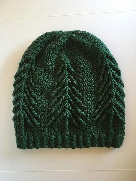 Ravelry: Whispering Pines Hat-mønster av Brenda K. Anderson, Ravelry: Whispering Pines Hat Pattern av Brenda K. Bonnet Crochet, Crochet Beanie, Knit Or Crochet, Crochet Crafts, Yarn Crafts, Knitted Hats, Crochet Mens Hat Pattern, Doilies Crochet, Beanie Pattern