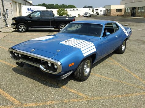 1972 Plymouth Road Runner GTX