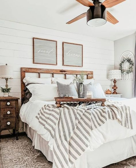 52 Magnificient Farmhouse Master Bedroom Ideas On A Budget – An open family room and kitchen where the family eats is designed in charming farmhouse style which makes it a warm and welcoming heart for the home. Classy Bedroom, Modern Farmhouse Bedroom, Farmhouse Master Bedroom, Master Bedroom Design, Bedroom Vintage, Modern Bedroom, Farmhouse Style, Farmhouse Decor, Bedroom Designs