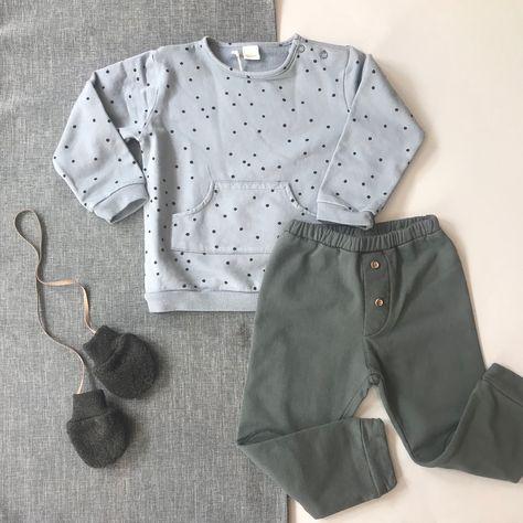 Precioso look de bebé de la marca Piupiuchick compuesto por camisa y  pantalón a rayas.  piupiuchick  bebe  babywear  babyboy  kidsfashion  106c5e97139