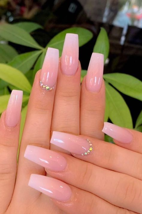 39 Summer Nails that you need to try. The hottest trends and colors for nails in 2019 including fluo nails, rainbow, classy, bright ombre and simple pretty styles nails too. Nails 39 Gorgeous Summer Nails You Need to Try Acrylic Nails Coffin Short, Simple Acrylic Nails, Pink Acrylic Nails, French Acrylic Nails, Pink Acrylics, Color For Nails, Ombre Nail Colors, Pink Ombre Nails, Pretty Nail Colors