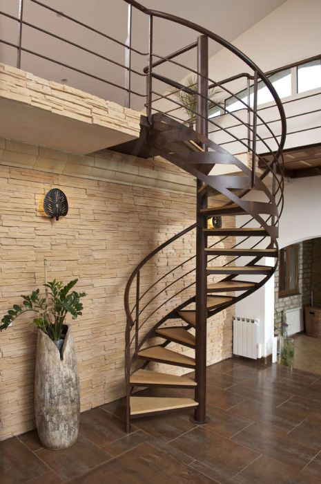 Spiral Staircase Wooden Steps Metal Frame Without Risers