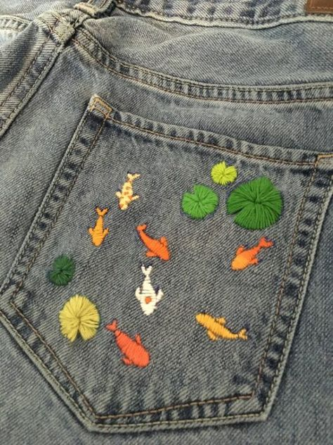 Embroidery On Clothes, Cute Embroidery, Embroidered Clothes, Embroidery On Denim, Embroidery Fabric, Hand Embroidery Designs, Diy Embroidered Jeans, Basic Embroidery Stitches, Creative Embroidery