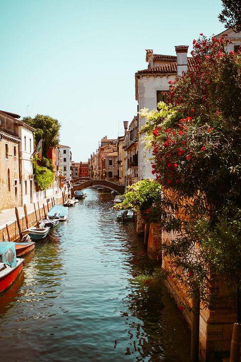 Places to Stay for your Italy Vacation Sorrento Italy, Verona Italy, Naples Italy, Tuscany Italy, Florence Italy, Positano Italy, Puglia Italy, Italy Vacation, Italy Travel
