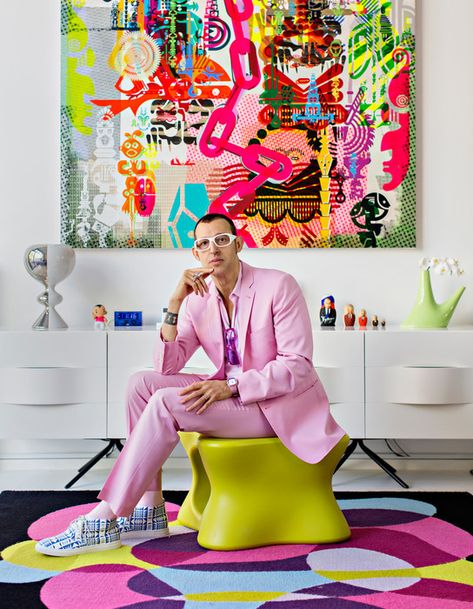 One of the most prolific product designers of his generation, Karim Rashid is known for his minimalist, sensually curved pieces in pop-art colours Karim Rashid, Estilo Kitsch, Pop Art Decor, Interior Inspiration, Design Inspiration, Pop Art Colors, Neon Colors, Primary Colors, Paint Colors