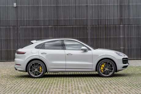 Awesome Review Porsche Cayenne Coupe Turbo S E Hybrid 2019 And Images And View Di 2020