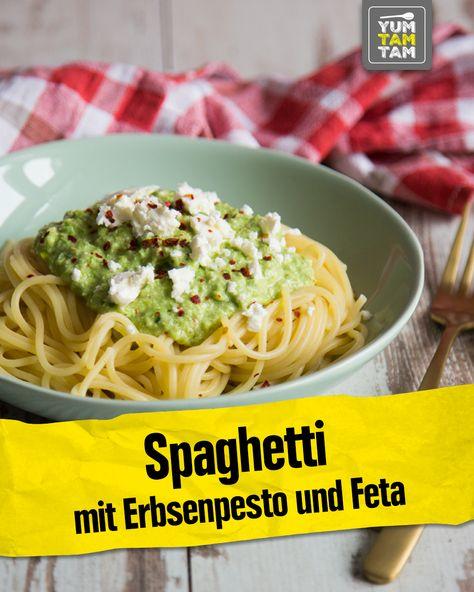 Spaghetti gehen einfach immer! Deswegen haben haben jetzt ein leckeres Rezept für Spaghetti mit Erbsenpesto für dich. Für unser Pesto pürierst du einfach gekochte Erbsen mit Frühlingszwiebeln, Olivenöl und Feta und schmeckst alles mit Salz, Pfeffer, Chili und Zitronensaft ab. Probiere unser leckeres Erbsenpesto unbedingt einmal selbst aus, denn es ist super easy und schnell gemacht! #spaghetti #erbsenpesto #feta #pesto #pestorezept #vegetarisch #yumtamtam #edeka #rezept #einfach #scharf