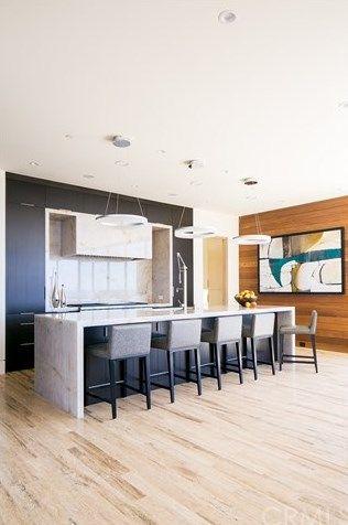 4501 Camden Drive Corona Del Mar Ca 92625 Casual Living Rooms Living Room Furniture Living Room Seating