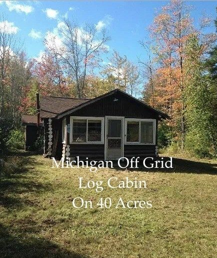 Off Grid Log Cabin In 2020 Log Cabins For Sale Cabins For Sale Cabin