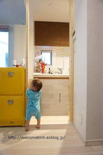 市販のゲートが使えないキッチンに ベビーゲートをdiy Welcome To My Home ベビーゲート ベビーゲート 手作り リビング インテリア