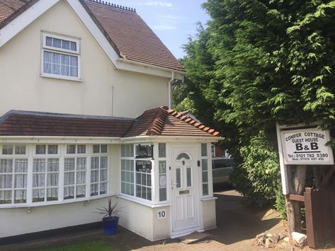 Conifer Cottage Bed Breakfast Provides Dog Friendly Accommodation That Is The Closest To Birming Dog Friendly Accommodation Bed And Breakfast Holiday Cottage