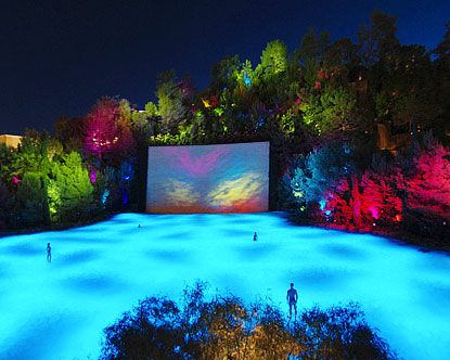 Wynn Hotel's Lake Of Dreams show is, apparently, free, and after all the things that most definitely are not, that's very attractive.