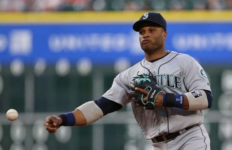 Robinson Cano burns Astros in ninth inning to ensure Mariners